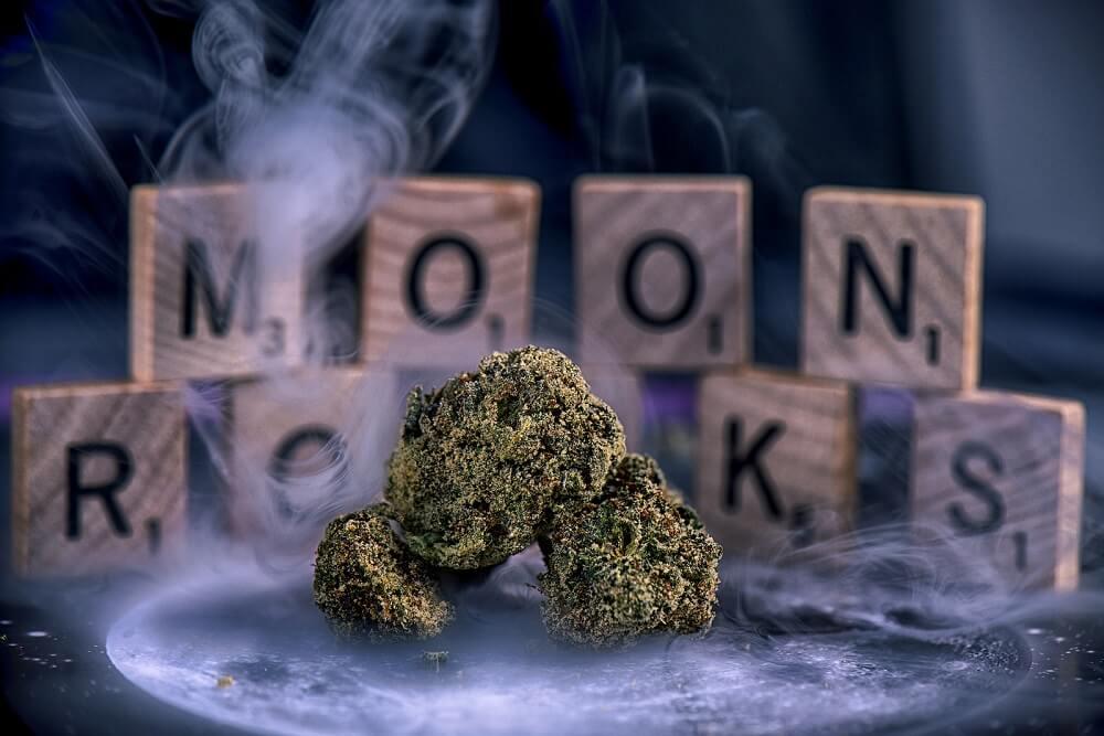 How to Smoke Moon Rocks Like a Pro